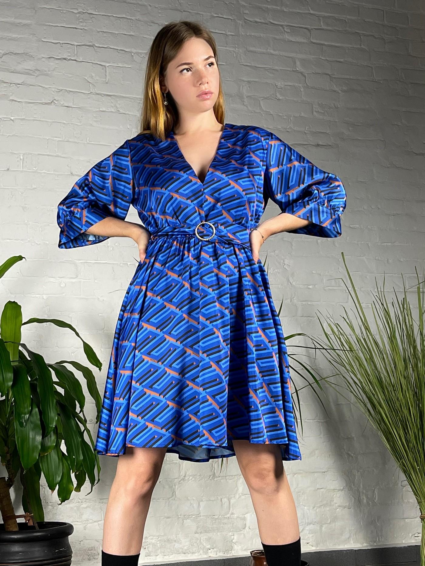 Синее платье Vicolo.