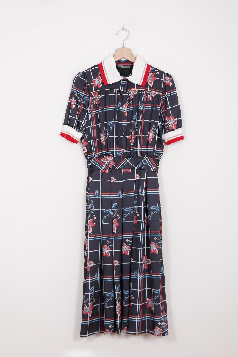 Яскрава сукня з коміром італійського бренду Dixie