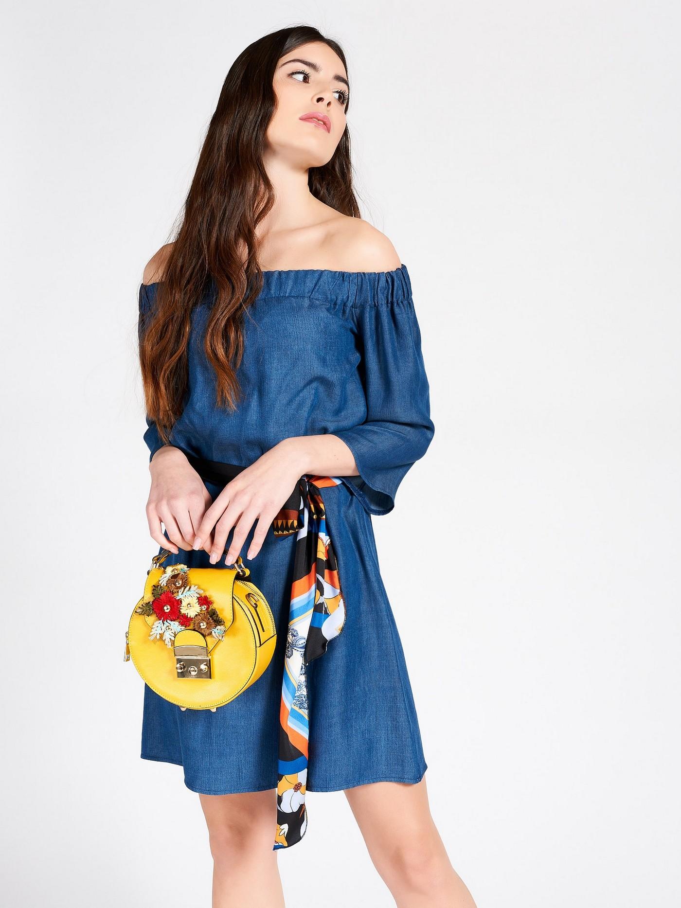 Синее платье с ярким поясом Rinascimento