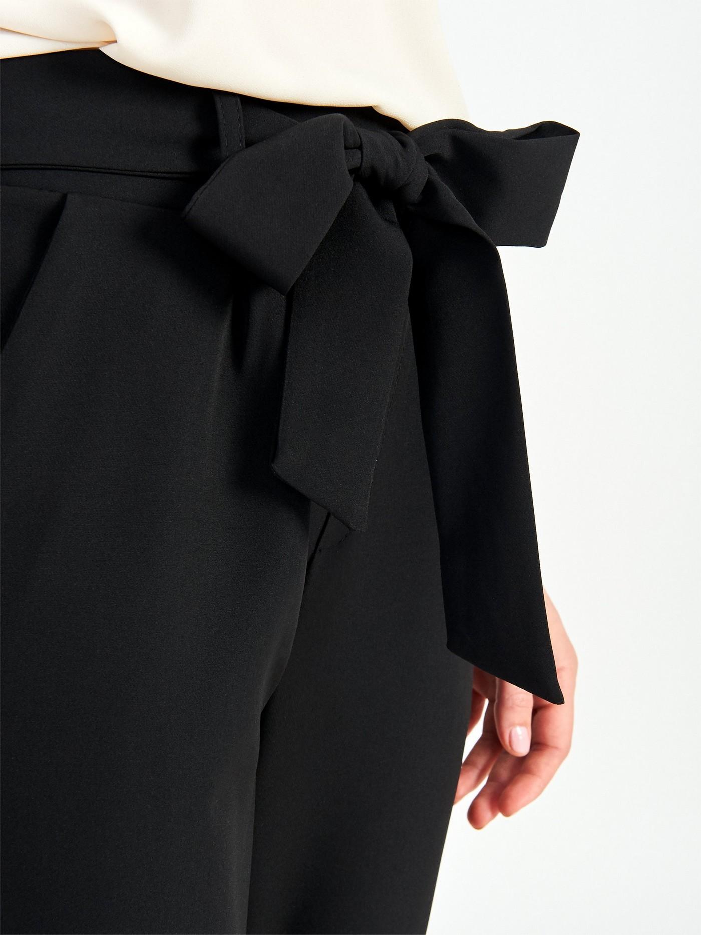 Чорні брюки з поясом Rinascimento