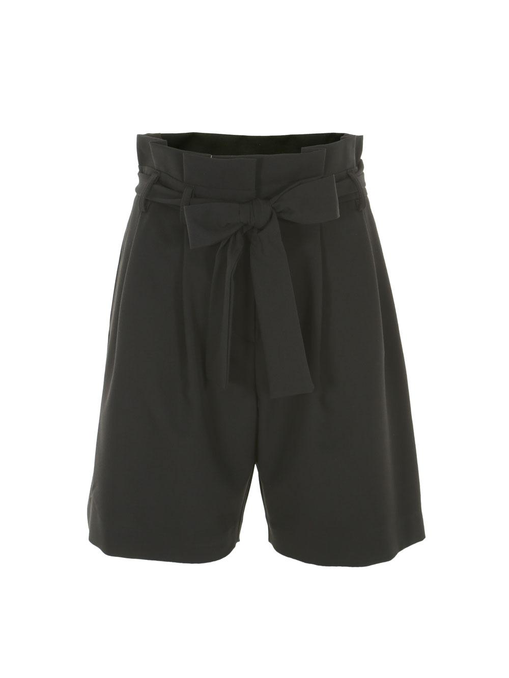Женские шорты чёрного цвета, с поясом