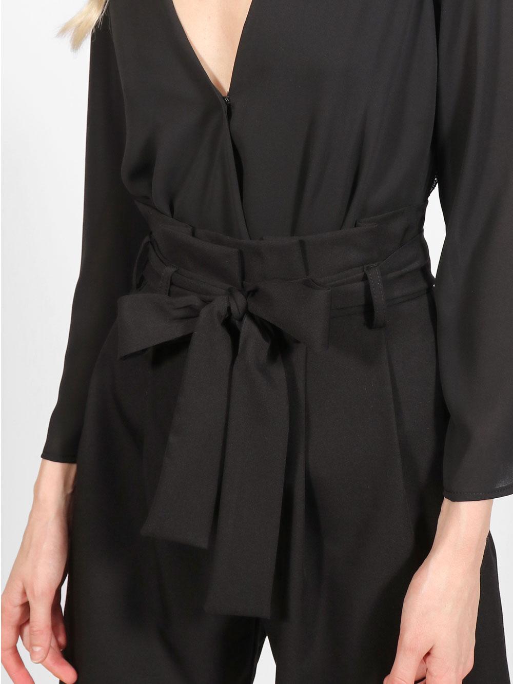Жіночі шорти черного кольору, з поясом
